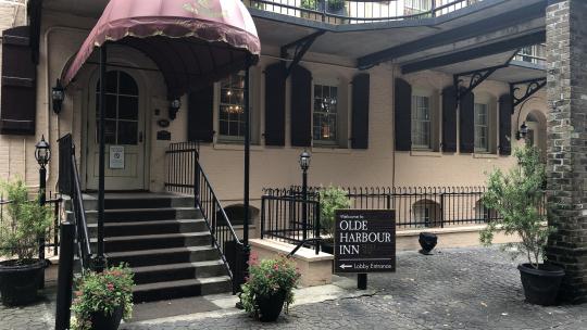 #1 Ghost Tour - Olde Harbour Inn